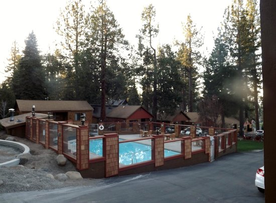 Cedar Glen Lodge: The pool and a new addition being built
