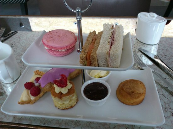 Ely, UK: Cream tea for two