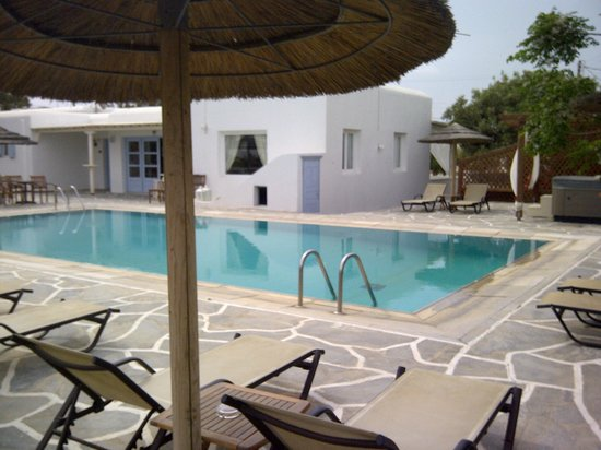 Aeolos Hotel: hotel and pool