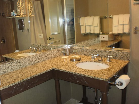 Omni Royal Orleans : Bathroom