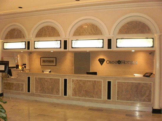 Omni Royal Orleans: Front Desk