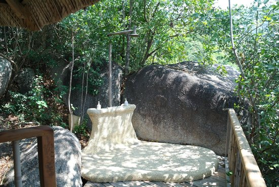 ‪‪Six Senses Ninh Van Bay‬: Outdoor shower‬