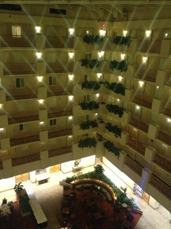 Embassy Suites Hotel Orlando Airport: interior