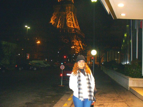 Pullman Paris Tour Eiffel: Saliendo a ver la torre (2 a.m. increible curiosidad)