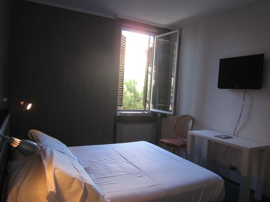 Richmond Hotel : single room 