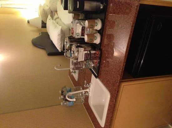 Sheraton Vancouver Wall Centre: Kitchenette
