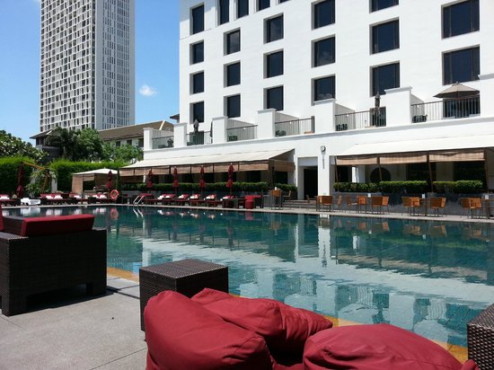 The Sukhothai Bangkok: View from pool-side