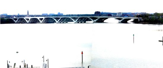 Gaylord National Resort & Convention Center: W. Wilson Bridge