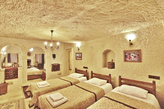 ‪‪Elysee Cave House‬: Family Room‬