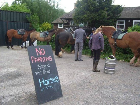 Abergavenny, UK: The &quot;horse parking&quot; at one of the pubs
