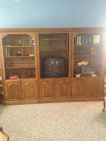 Hermann, MO: TV/Game Room