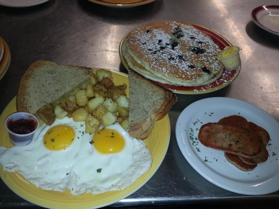 Canandaigua, NY: breakfast is served.
