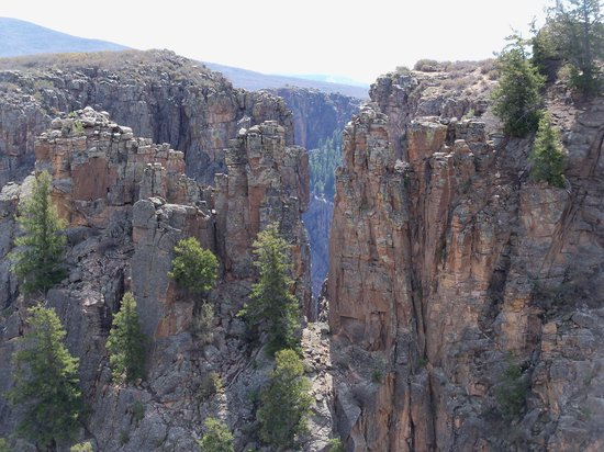 Black Canyon Of The Gunnison National Park, CO: From the trail on thr Devil's Lookout