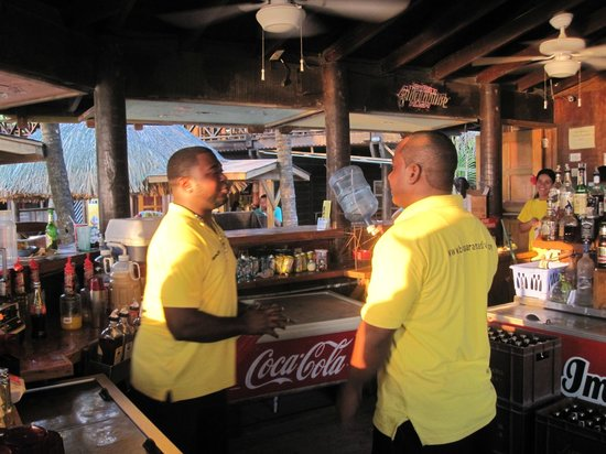 Bananarama Beach and Dive Resort: Tim and Derry, our friendly bar staff.