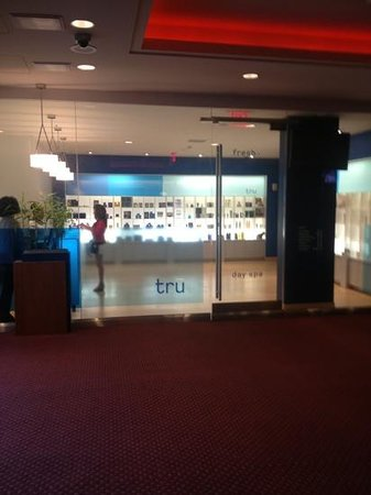 Hilton San Francisco Financial District: tru spa has Peter Roth products