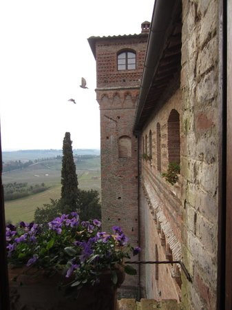 Castello delle quattro torra: Taking early morning flight
