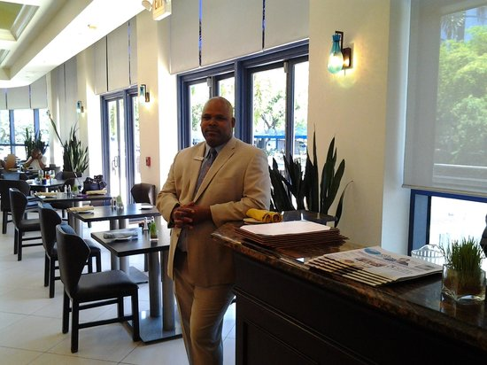 The Westin Beach Resort & Spa, Fort Lauderdale: dining ,mark was very warn and helpful a pleasant man and a great access to this company.