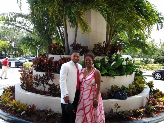 The Westin Beach Resort & Spa, Fort Lauderdale: my so mike wedding day with his mother.