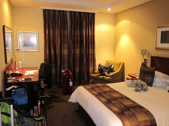 City Lodge OR Tambo Airport: standard room