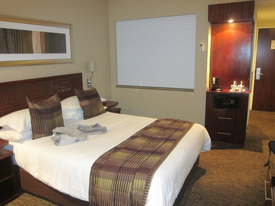 City Lodge OR Tambo Airport: another shot of the room