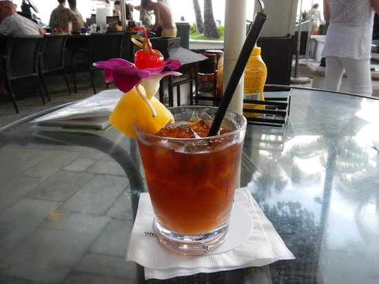 Moana Surfrider, A Westin Resort &amp; Spa: Mai Tai
