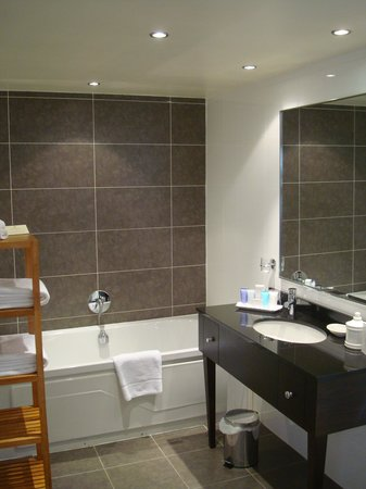 The Westbury Hotel: Bathroom
