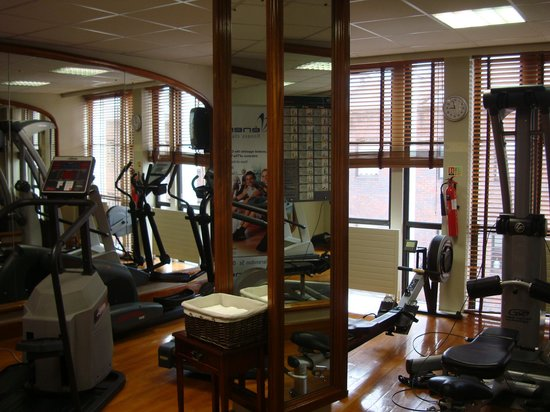 The Westbury Hotel: Closet gym