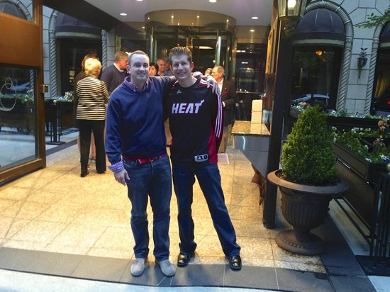 The Talbott Hotel: Front of Hotel - Before The Heat Game!!