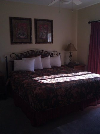 Blue Heron Beach Resort: Master Bedroom