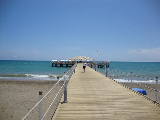 Calista Luxury Resort: The pier