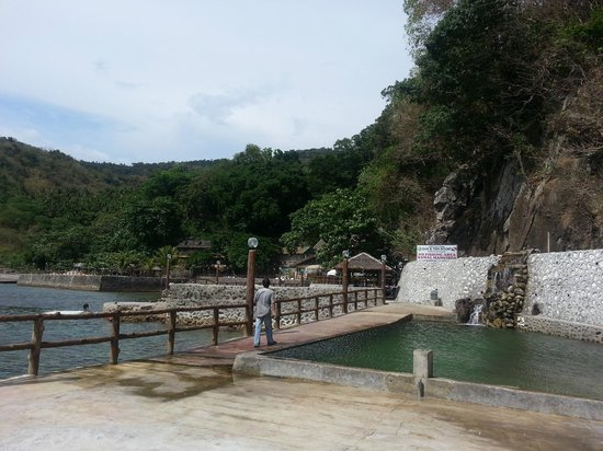 Dive and Trek: Salt water pool