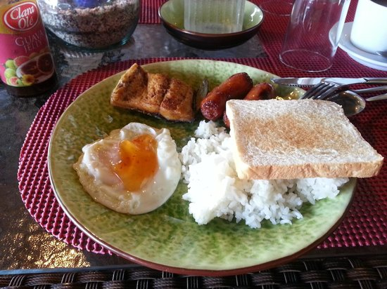 Dive and Trek: Filipino breakfast - rice, milk fish, egg, sausage