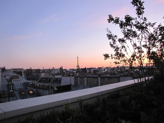 Mandarin Oriental, Paris: La Tour Eiffel from the hotel terrace