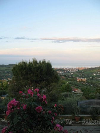 Acquaviva Picena, Italia: Veduta panoramica dal terrazzo del ristorante