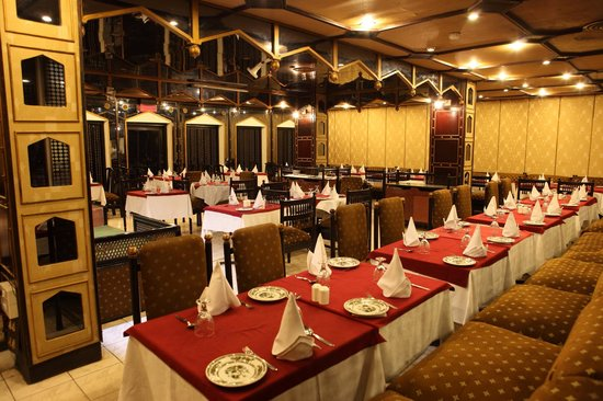 The Janpath Hotel: The Multi Cuisine Restuarent