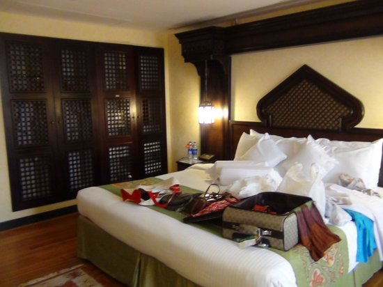 Arabian Courtyard Hotel & Spa: bedroom