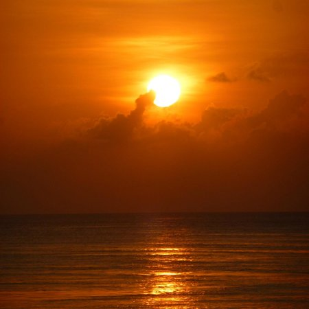 Lily Beach Resort & Spa: coucher de soleil