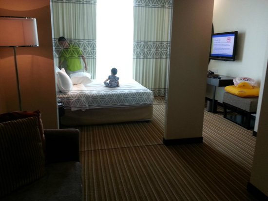 Hatten Hotel Melaka: There&#39;s another small &quot;living room&quot; in this room