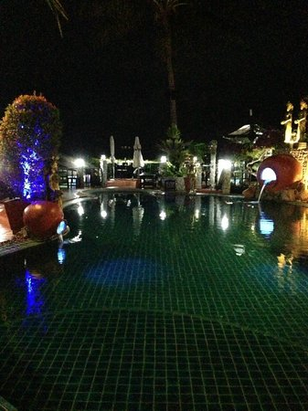 Boomerang Village Resort: swimming pool