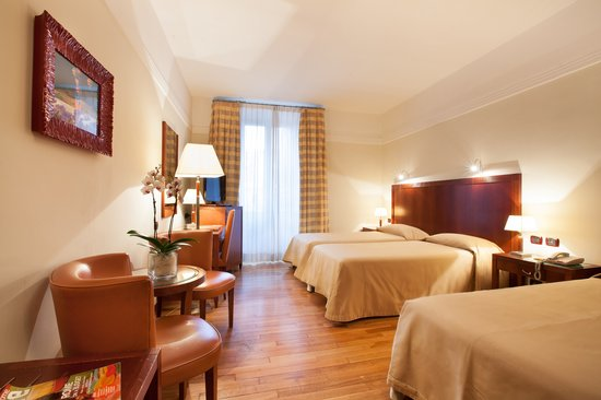 Hotel Genova : Triple room