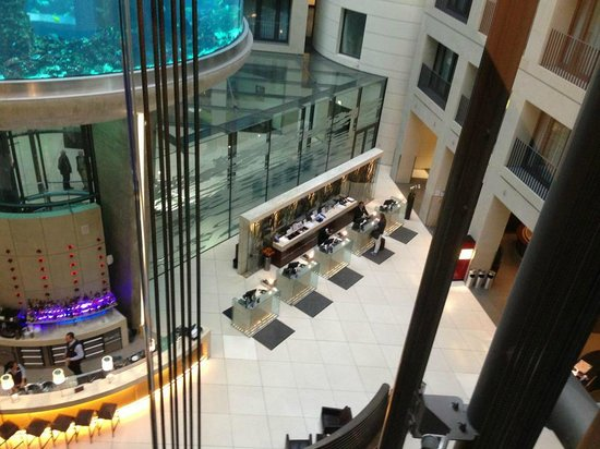 Radisson Blu Hotel, Berlin : View of lobby from lift