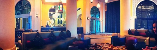 Movenpick Hotel Ibn Battuta Gate Dubai: Lobby/Bar