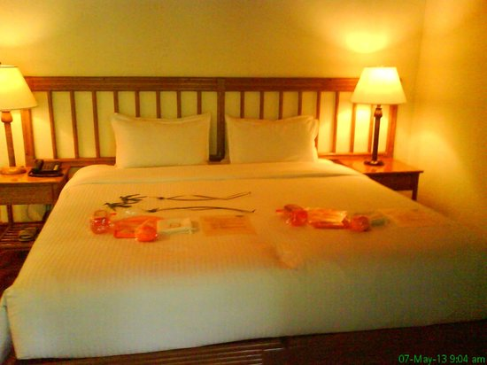 El Nido Resorts Lagen Island: Queen bed which the staff separated to make into 2 single beds