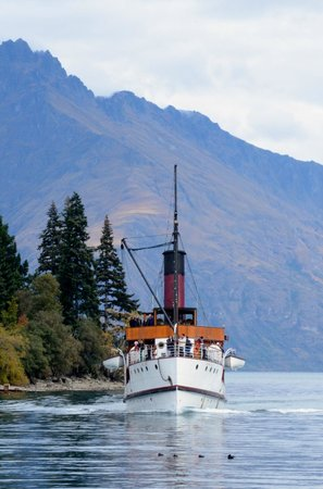 Novotel Queenstown Lakeside: Earnslaw