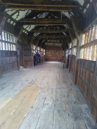 Cheshire, UK: Long Gallery and the uneven floors