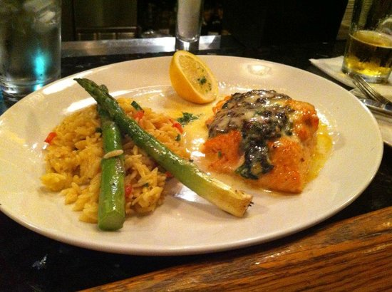 Edgewater, Nueva Jersey: Salmon