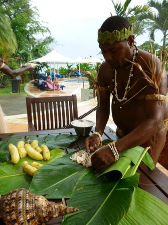 Warwick Le Lagon Resort &amp; Spa, Vanuatu: Traditional cooking