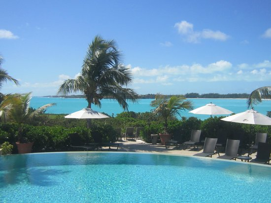 Grand Isle Resort &amp; Spa: Pool deck overlooking the private beach