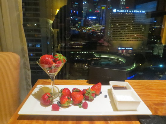 Conrad Centennial Singapore: Anniversary present from the hotel!