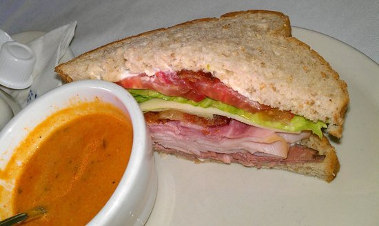 Hamilton, TX: Soup and sandwich